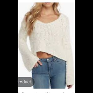 Free people sweater. NWT. Wide sleeves. Great!